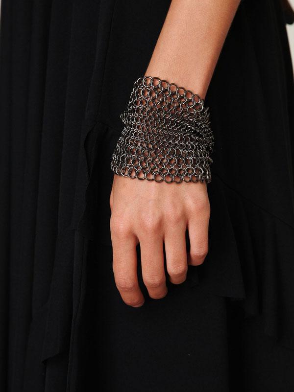 women-chain-bracelet